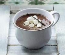 variation von heiße schokolade extra schokoladig