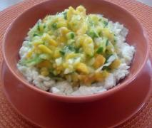 variation von krautsalat mit mango und gurke schn