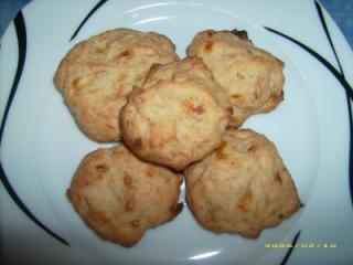 walnuss kekse mit weißer schokolade